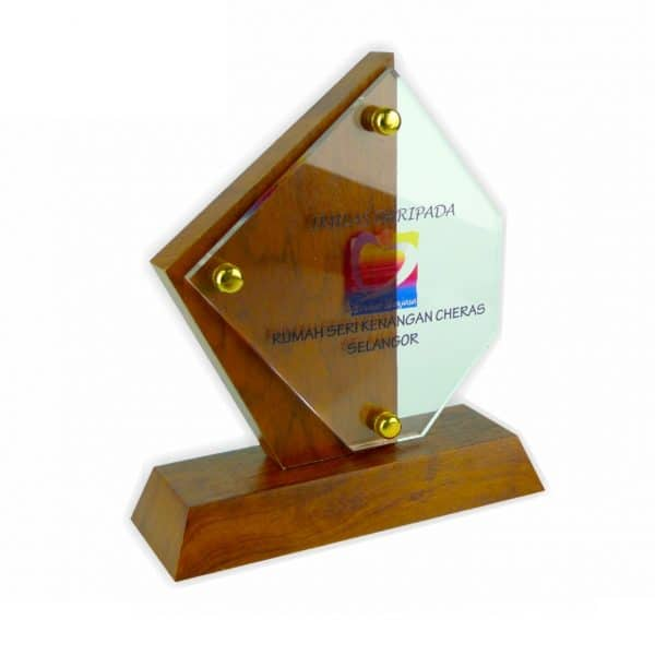 Crystal Plaques CR3011 – Exclusive Wooden Crystal Plaque