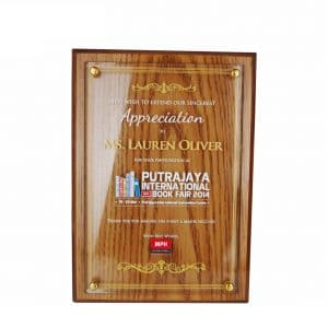 Crystal Plaques CR3035 – Exclusive Wooden Crystal Plaque