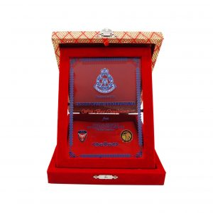 Crystal Plaques CR3067 – Velvet Songket Box With Crystal Glass