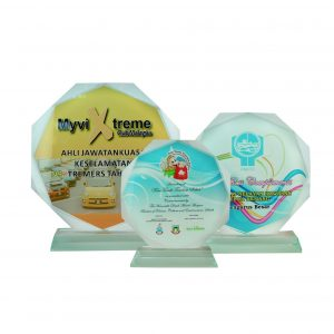 Crystal Plaques CR8014 – Exclusive Octagonal Crystal Glass Awards