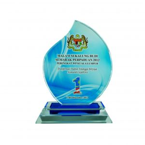 Crystal Plaques CR8034 – Exclusive Crystal Glass Awards