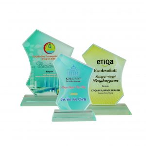 Crystal Plaques CR8093 – Exclusive Crystal Glass Awards