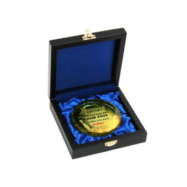 Crystal Medals CR8118 – Songket Wooden Box With Crystal Medal