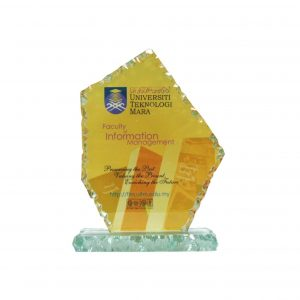 Crystal Plaques CR8130 – Exclusive Crystal Glass Awards