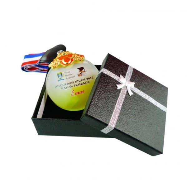 Crystal Medals CR8175 – Crystal Hanging Medal With Gift Box (GOLD, SILVER, BRONZE)
