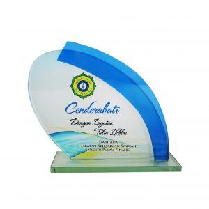 Crystal Plaques CR8193 – Exclusive Crystal Glass Awards