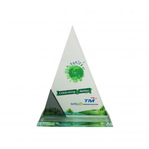 Crystal Plaques CR8195 – Exclusive Crystal Glass Awards