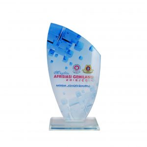 Crystal Plaques CR8220 – Exclusive Crystal Glass Awards