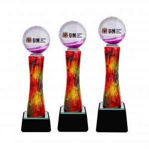 Crystal Trophies CR8261 – Exclusive Crystal Glass Awards