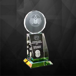 Crystal Plaques CR9040 – Exclusive Crystal Trophy
