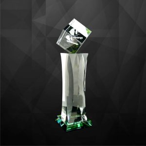 Crystal Trophies CR9068 – Exclusive Crystal Cube Trophy