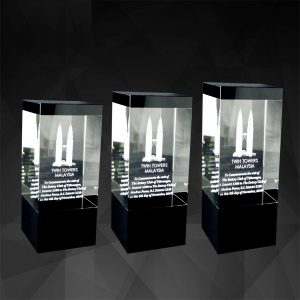 Crystal Plaques CR9080 – Exclusive Cuboid Crystal Awards