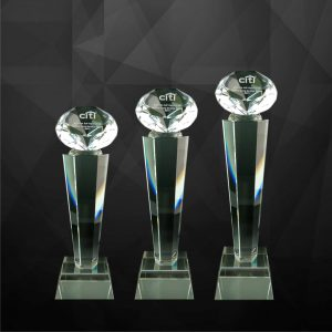 Crystal Trophies CR9095 – Exclusive Crystal Diamond Trophy