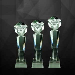 Crystal Trophies CR9096 – Exclusive Crystal Cube Trophy