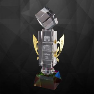 Crystal Trophies CR9113 – Exclusive Crystal Cube Trophy