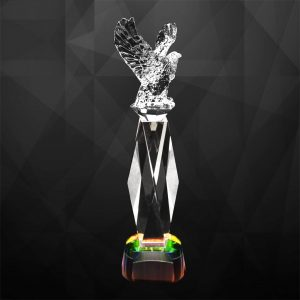 Crystal Trophies CR9262 – Exclusive Crystal Eagle Trophy