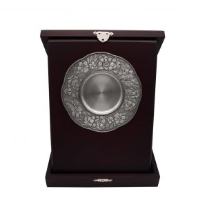 Pewter Plaques WP7235 – Wooden Box With Bunga Raya Pewter Plate